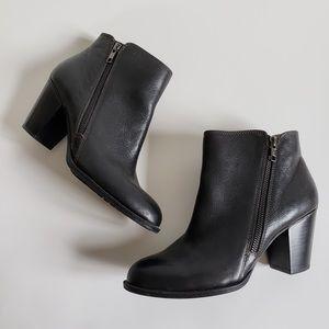 Söfft Black Leather Ankle Zip Heel Boots
